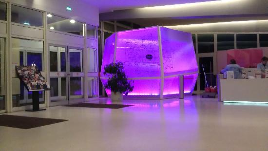 FIAP Jean Monnet: Reception Area