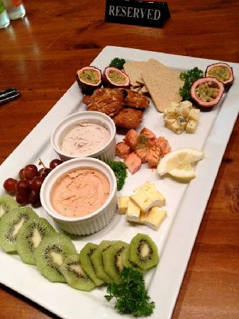 Zest Food Tours of Auckland: Auckland City Tastes Tour platter our guests enjoy at the Seafood and Boutique Food Market