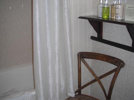 Budock Vean Hotel: Bathroom