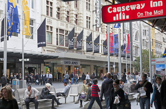 Causeway Inn On The Mall: Bourke Street Mall