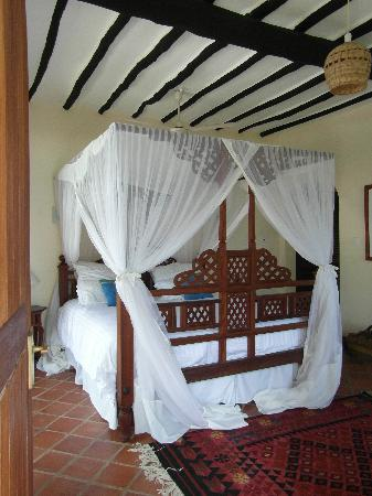 Diani Blue: blue room