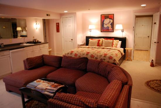 Annapolis Royal Folly: Pet-friendly room