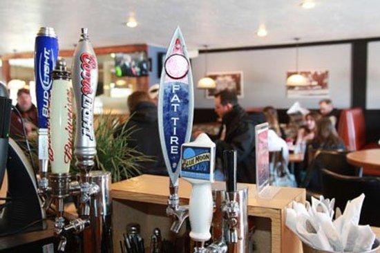 Mavericks Restaurant & Bar: Mavericks Bar Area