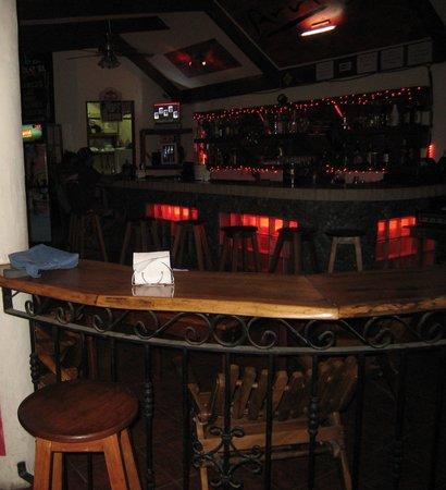 Bar Arriba : The bar at arribe