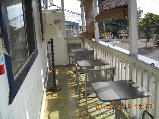 Northshore Hostel Maui: veranda