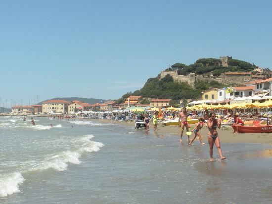 Bagno Castiglione : The Beach
