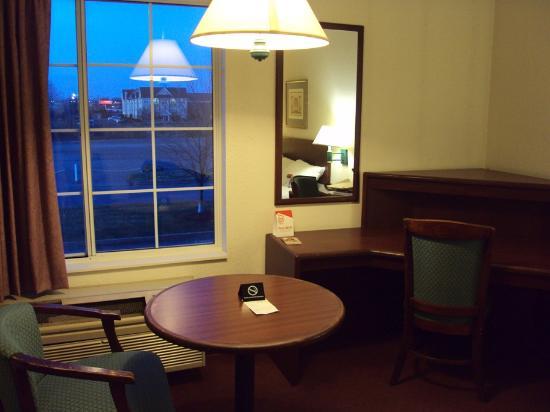 Red Roof Inn Boardman: Desk