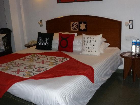 Lemon Tree Amarante Beach Resort, Goa: Bed
