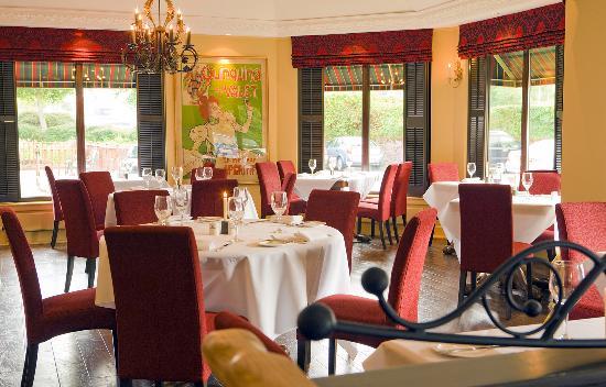 Season's Restaurant: Seating