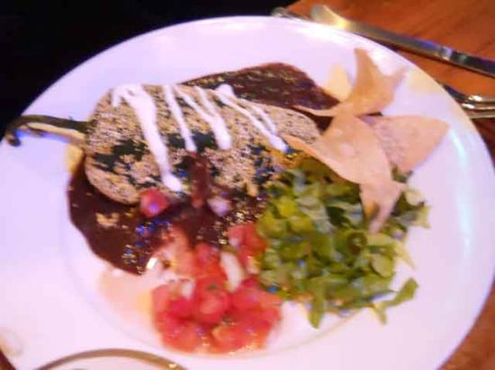 Hydro Bar and Grill: Chile relleno with mole sauce.