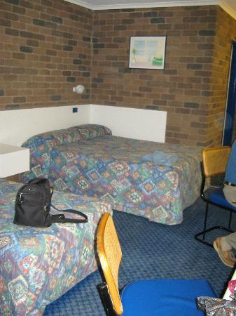 Cattleman's Rest Motor Inn: Room
