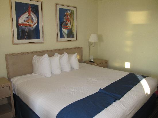 BEST WESTERN Kent Narrows Inn: Our comfy bed