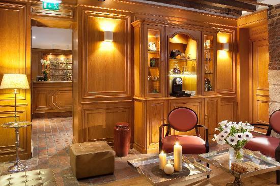 Hotel de Fleurie: Salon