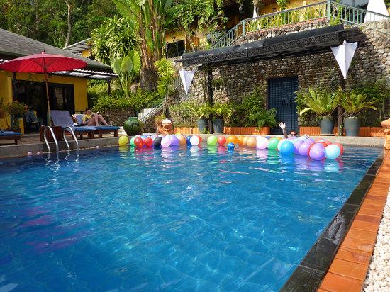 CC's Hideaway: cool pool