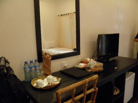 The Moon Boutique Hotel: The room comes with flat screen TV with array of international channels including ESPN, AXN, HBO