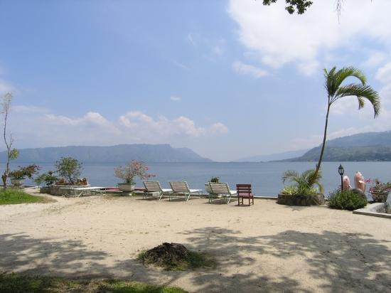 Samosir, Indonesia: beach