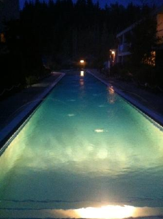 Podollan Inn : poolside at night was so relaxing