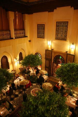 Riyad Al Moussika: Restaurant PepeNero by night