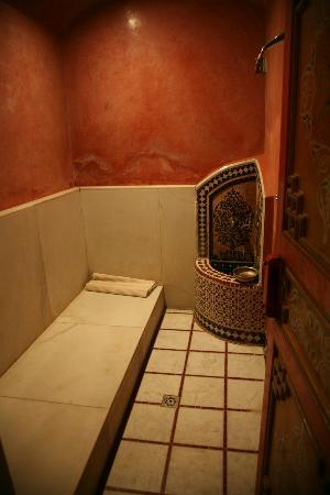 Riyad Al Moussika: The riads Hammam
