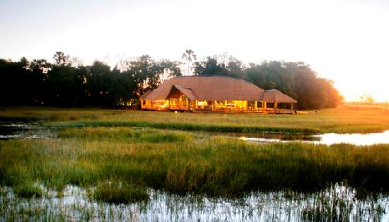 Journey Into Africa Tours and Safaris - Day Tours: Luxury Botswana Lodge - Moremi Crossing