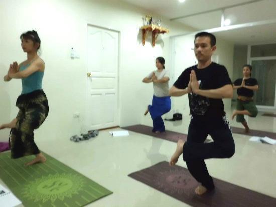 thai massage med happy anmeldelser af thaimassage i jylland