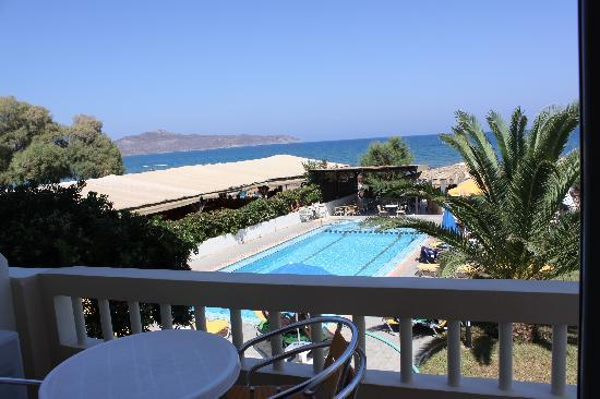 Tropicana Beach Hotel & Suites: View from the room