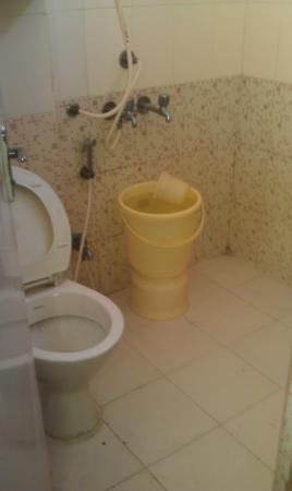 Hotel Atithi Satkar: Atithi Satkar bathroom