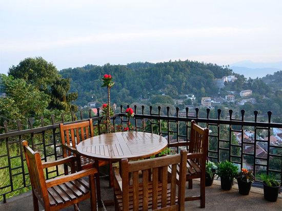 36 Bed & Breakfast: Overlooking Kandy