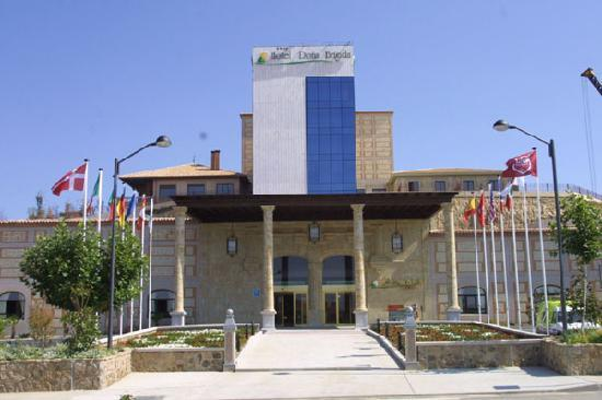Foto de hotel dona brigida salamanca 663995 pool - Hotel salamanca 5 estrellas ...