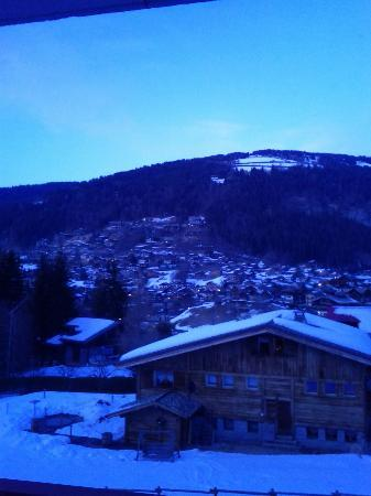 Chalet Hotel La Chaumiere: View from bedroom balcony