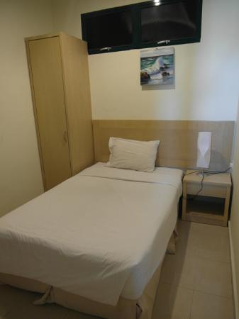 Golden View Serviced Apartments: single bedroom
