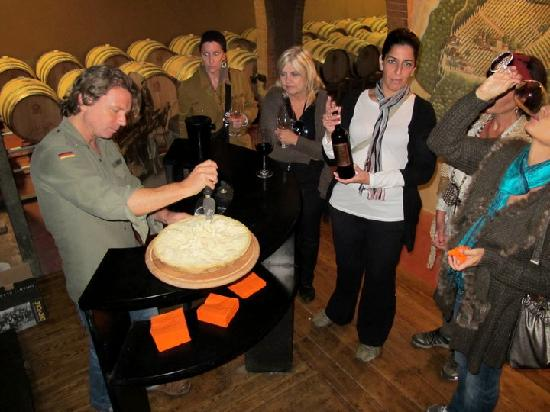 Dievole: Cheese and wine in the cellar