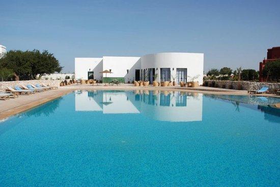Domaine de l'Arganeraie: vue piscine et pool-house
