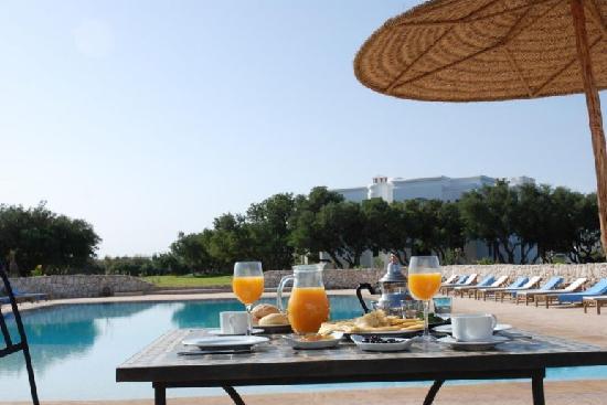 Domaine de l'Arganeraie : petit déjeuner piscine