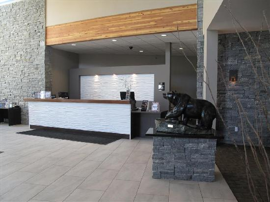 BEST WESTERN PLUS Revelstoke: Front Desk