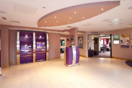 Premier Inn Loughborough Hotel: Loughborough Reception Area