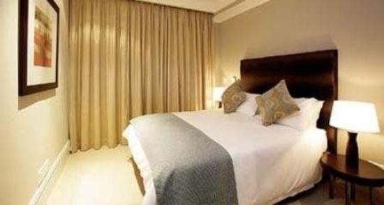 Mandela Rhodes Place Hotel & Spa: Guest Room