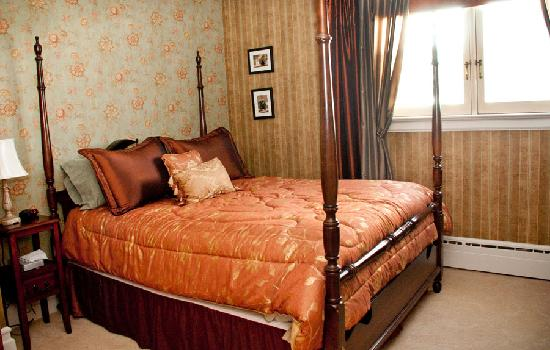 Frederick Street Inn: The longer your stay, the greater the discounts!