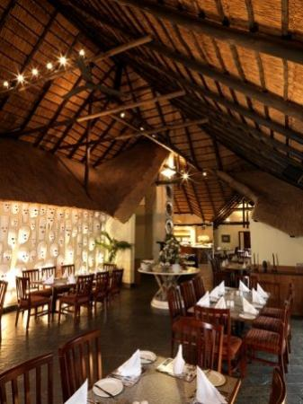 Shumba Valley Lodge: Interior
