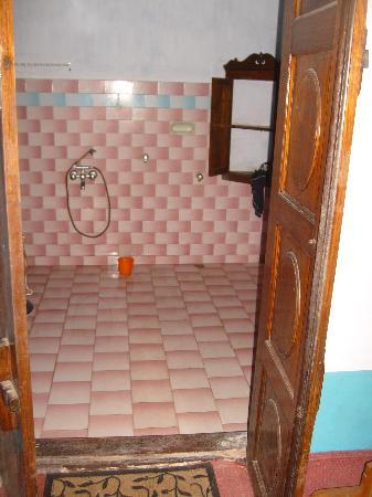 Sona Tourist Home: salle de bains