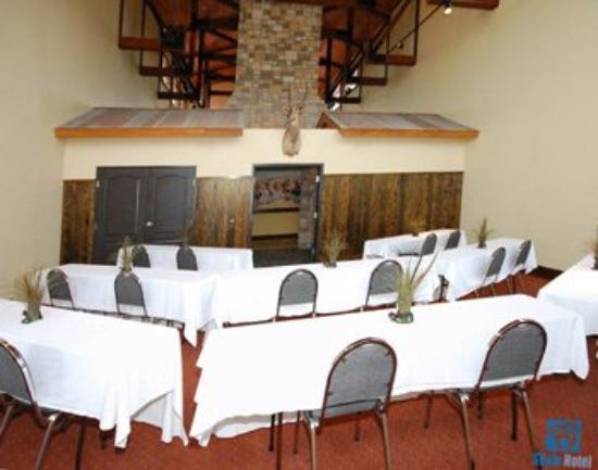 The Inn at Circle T: Meeting Room