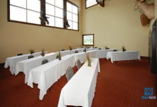 The Inn at Circle T: Meeting Room