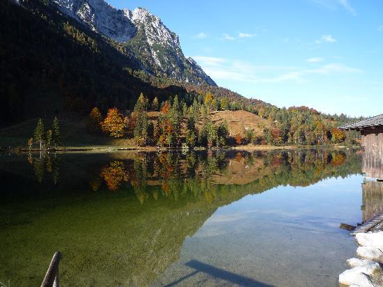 Gasthaus Ferchensee: Ferchensee im Herbst