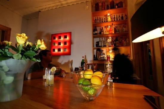 Hotel Una: Bar (Large )