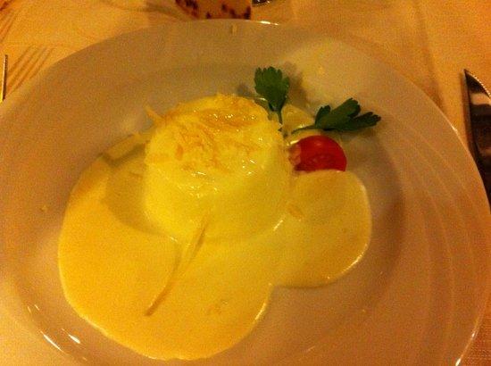 Talamello, Ιταλία: sformatino di squaquerone con fonduta di fossa!!!Delicatissimo