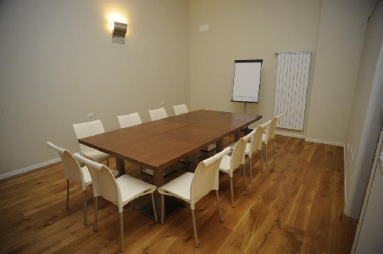 La Maison del Capestrano: Sala riunioni