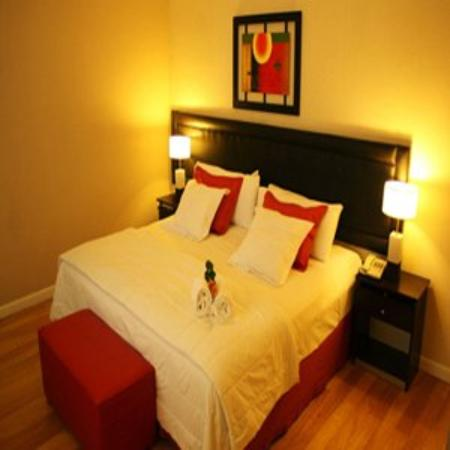 Howard Johnson Hotel & Suites Recoleta: Guest Room