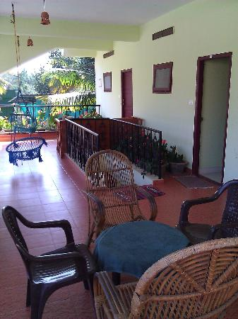 Suresh Green View Homestay: Terrasse commune