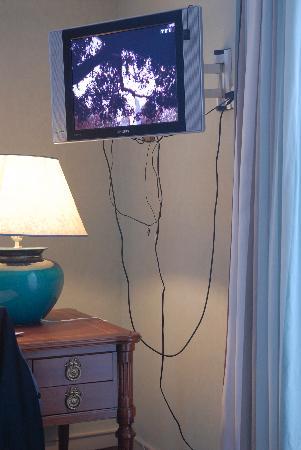 La Meunerie: des câbles le la TV 4:3