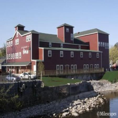 The Red Mill Inn: Exterior